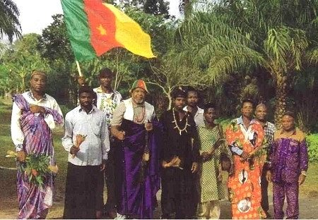 PEUPLE BASSA  VITRINE  DE L'HISTOIRE DU CAMEROUN