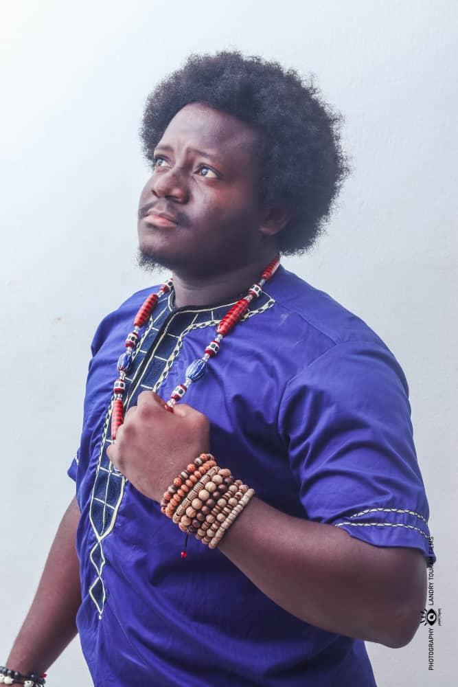 Voilà qu'un homme est né, célébrons le succès  du web journaliste Etienne Talla